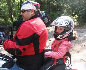 Regole per Viaggiare con i Bambini in Moto