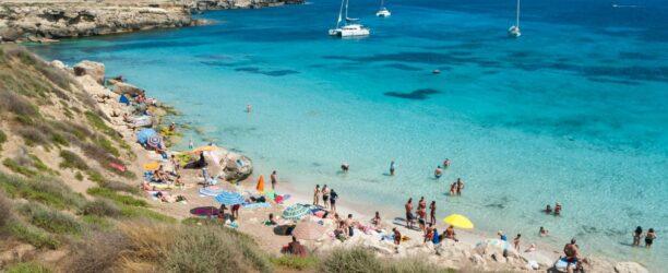 favignana-island-sicily-italy-aegadian